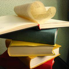 Как ухаживать за книгами дома