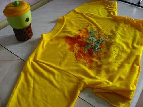 Как удалить жирное пятно с одежды в домашних условиях
