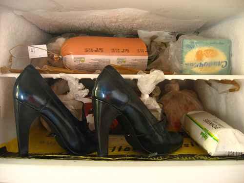 Разнашиваем обувь в морозилке