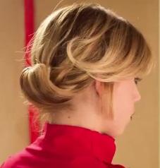 Коктейльная причёска на средние волосы