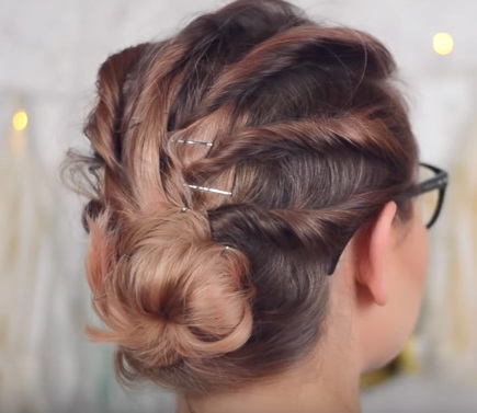 """""""Ребристая"""" причёска на средние волосы"""