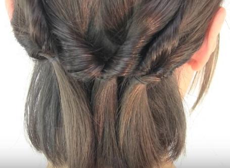 Причёска из шести жгутиков на короткие волосы - Шаг 5