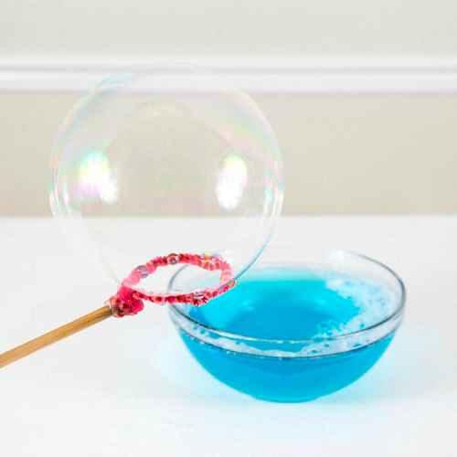 Как сделать в домашних условиях мыльные пузыри 1