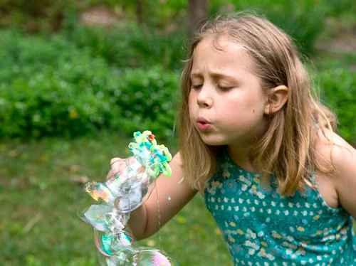 Как сделать в домашних условиях мыльные пузыри 6