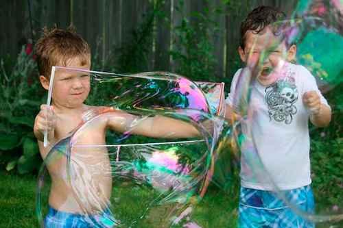 Как сделать в домашних условиях мыльные пузыри 10