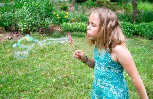 Как сделать в домашних условиях мыльные пузыри