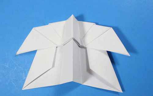 Как сделать из бумаги самолётик Летающий Ниндзя - Шаг 27