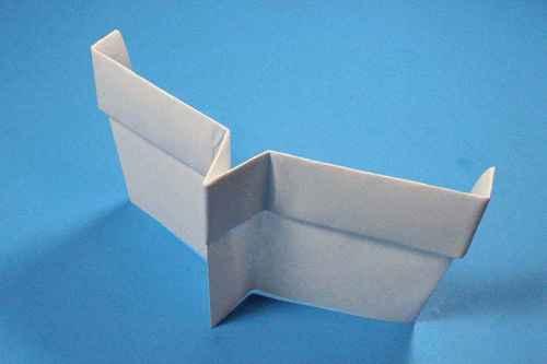 Как сделать из бумаги самолётик Шпион - Шаг 17.2