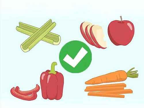 Богатые жидкостью овощи и фрукты - это отличный способ освежить рот.