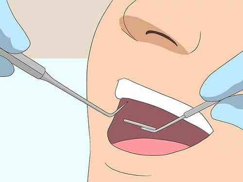 Ваш стоматолог может определить и устранить проблемы, которые вызывают неприятный запах изо рта.