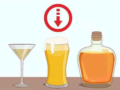 Сократите количество алкоголя, которое вы пьете, чтобы убрать неприятный запах изо рта.