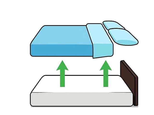Уберите подушки и одеяла с кровати.