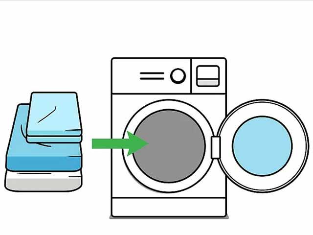 Постирайте постельное белье в машинке.
