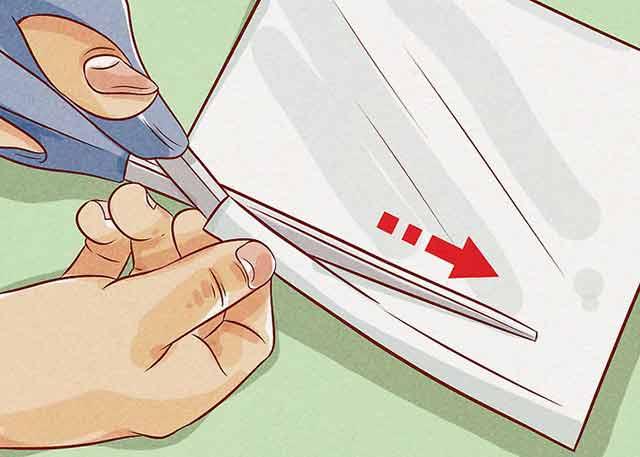 Как узнать размер кольца на палец - Вырежьте длинную тонкую полоску из листа бумаги.