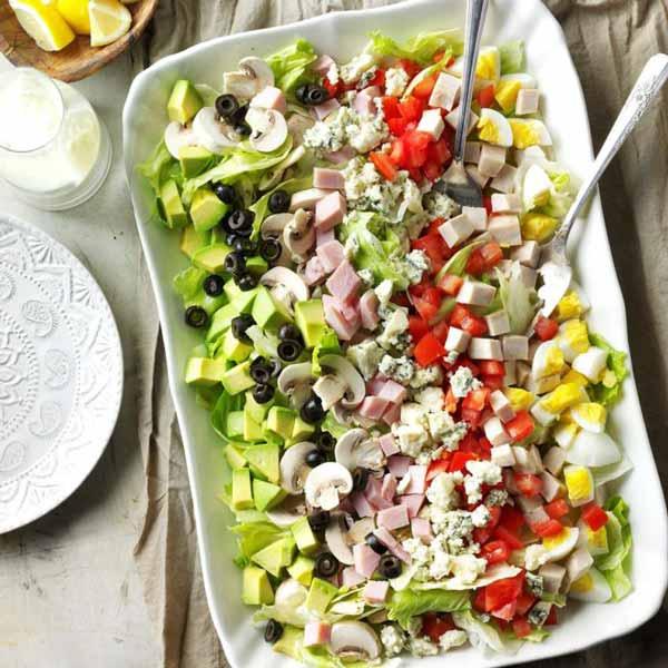 Классический салат Кобб в домашних условиях