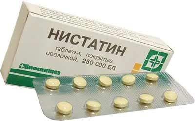 Для избавления от перхоти нистатин применяется наружно