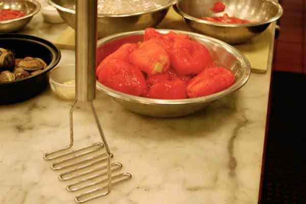 Используйте картофелемялку