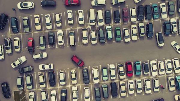 Лучшее место для парковки в торговом центре