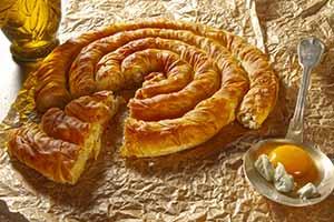 Рецепт домашнего пирога со шпинатом и козьим сыром - Болгарская Баница