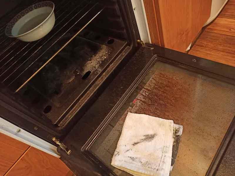 Лимонная кислота для чистки внутренней стороны стекла на духовке