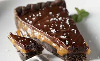 Шоколадный торт с мандариновым сиропом