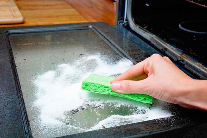 Соль для чистки духовки от жира и нагара