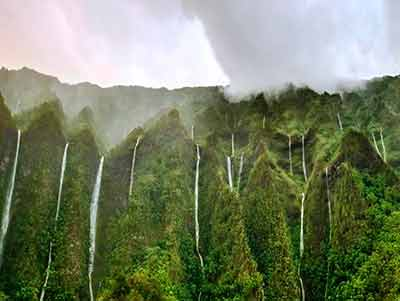 Хонокохау - самый высокий водопад на острове Мауи, Гавайи