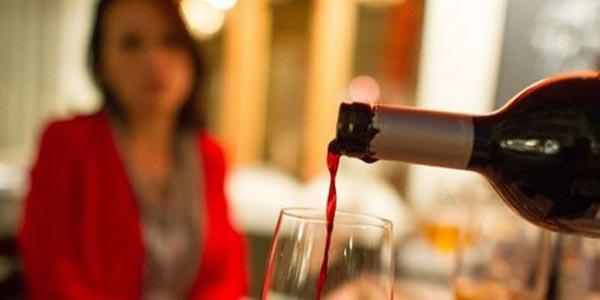 Употребление алкоголя повышает температуру тела.