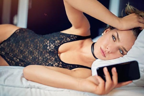 Привлекательные женщины с меньшей вероятностью найдут себе пару