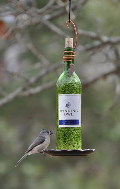 Кормушки для птиц из винных бутылок своими руками