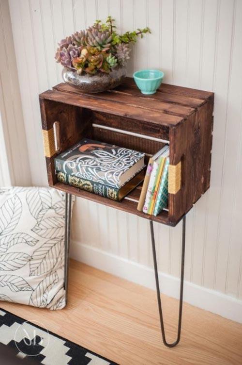 Мини-столик из окрашенного ящика для декора спальни