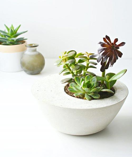 Цветочный горшок из бетона для декора спальни