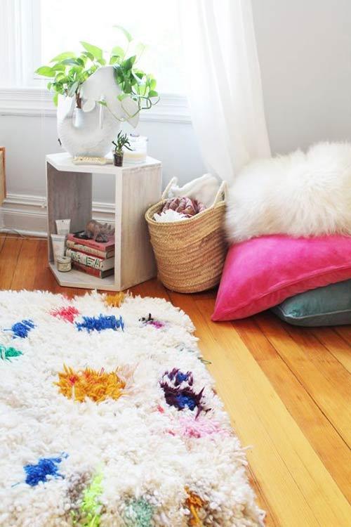Коврики ручной работы из пряжи для декора спальни