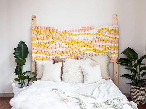 Изголовье кровати из ткани для декора спальни