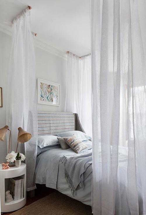 Кровать с балдахином для декора спальни