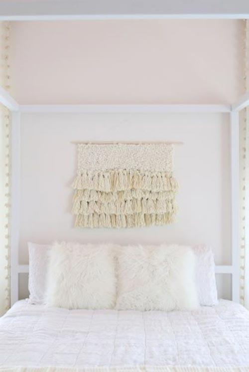 """Изголовье кровати в стиле """"Fiber Art"""" для декора спальни"""