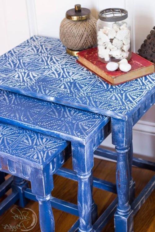 Выдвижной столик для декора спальни