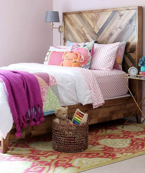Кровать с деревянным изголовьем с стиле Chevron для декора спальни