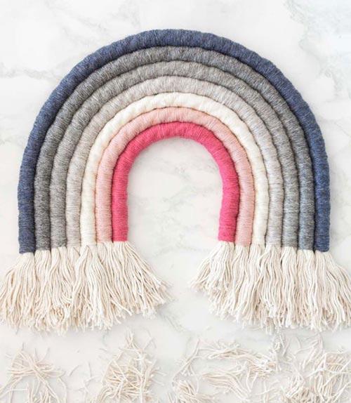 Настенная радуга из верёвок для декора спальни