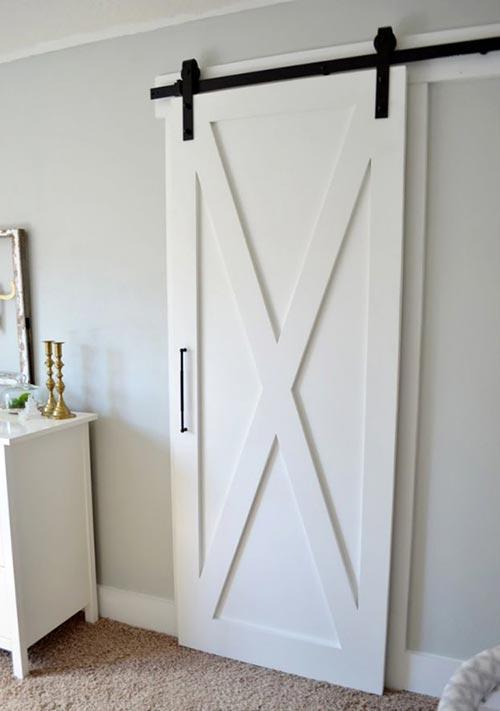 """В стиле """"дверь от сарая"""" для декора спальни"""