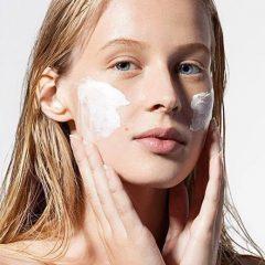 Какие средства нужны для ухода за кожей лица: полный список из 9 средств