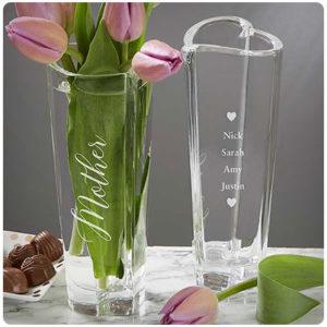 Подарок маме - ваза с гравировкой