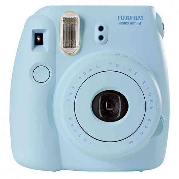 Камера Instax в подарок парню