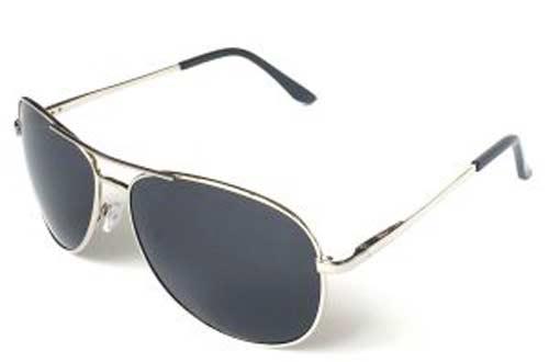 Солнцезащитные очки в подарок парню