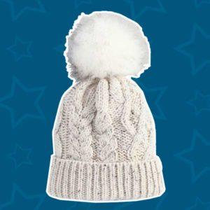 Вязаная шапочка в подарок маме