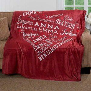 Уютное одеялов подарок маме