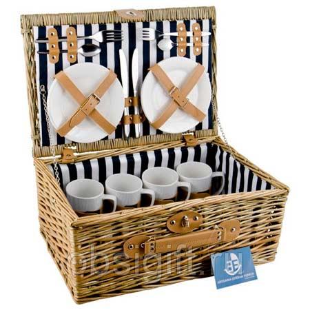 Идея подарка на свадьбу - корзина для пикника