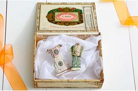Подарок на свадьбу - деньги