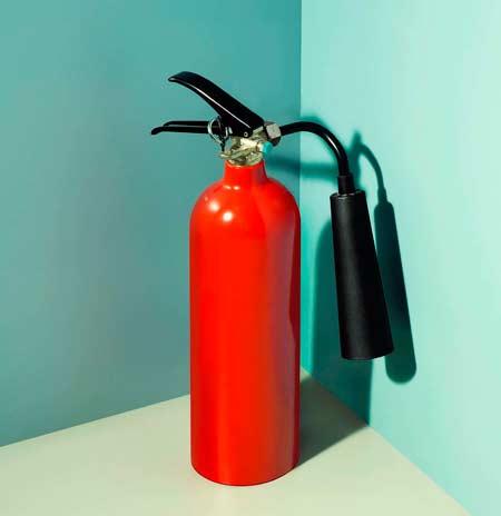 Подарок на свадьбу - огнетушитель
