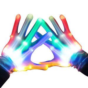 Подарок 10-му мальчику - светодиодные перчатки